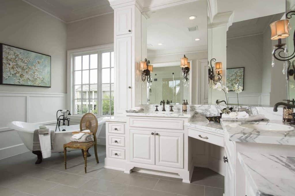 Charleston Master Bathoom Marble