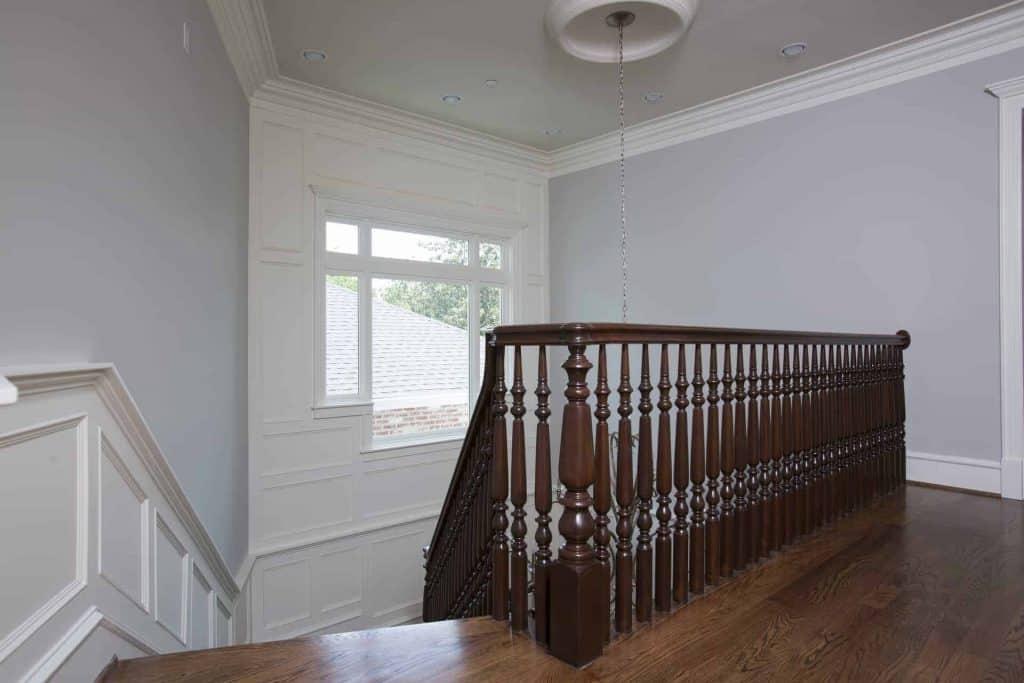 new-orleans-stair-landing-wood-floor-stairs-staircase-stairwell